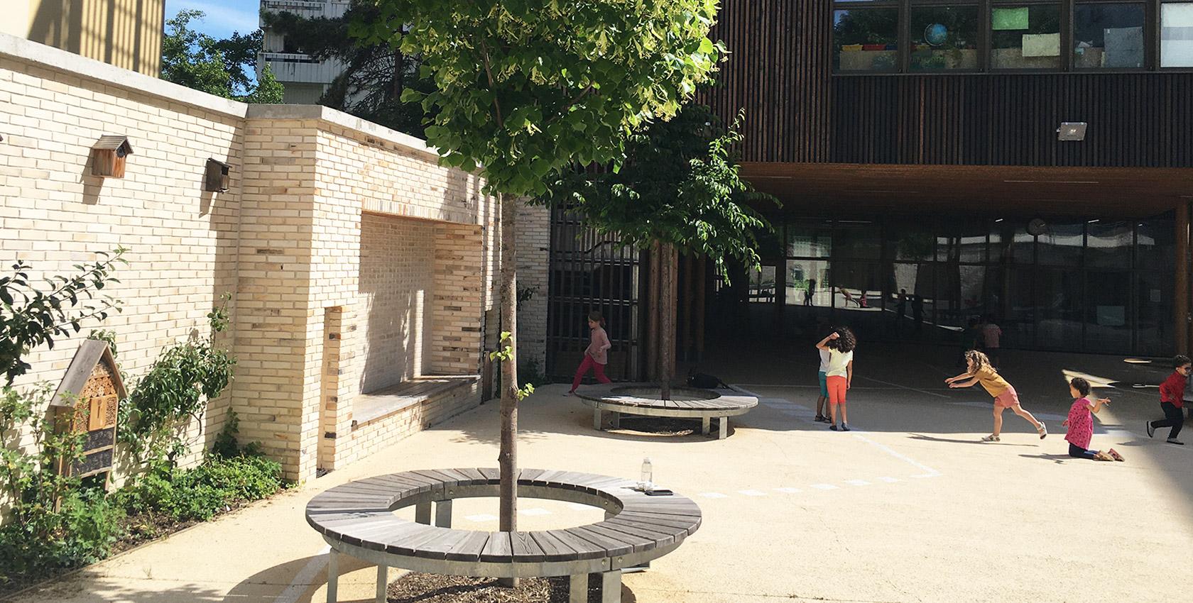 Cour de l'école maternelle bd Auriol, Paris _ livrée en 2019, avec LA architectes